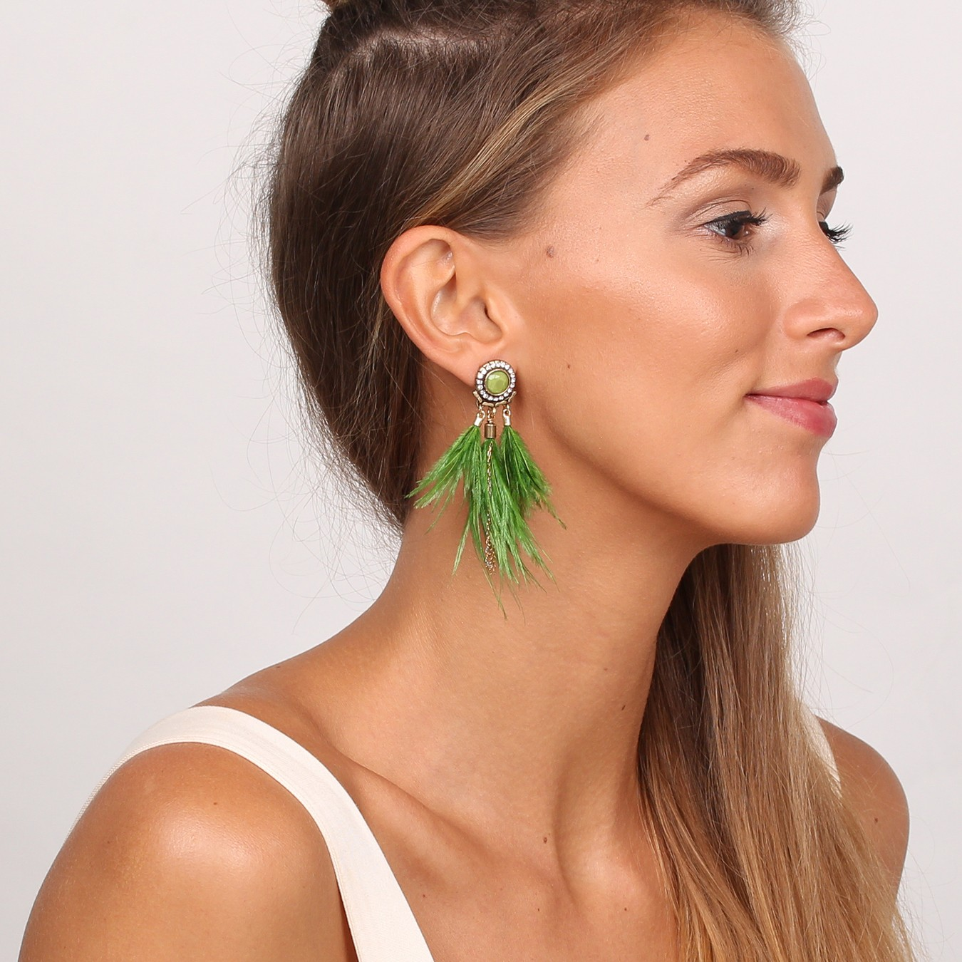 PENELOPE GREEN FEATHERS CLIPS EARRINGS