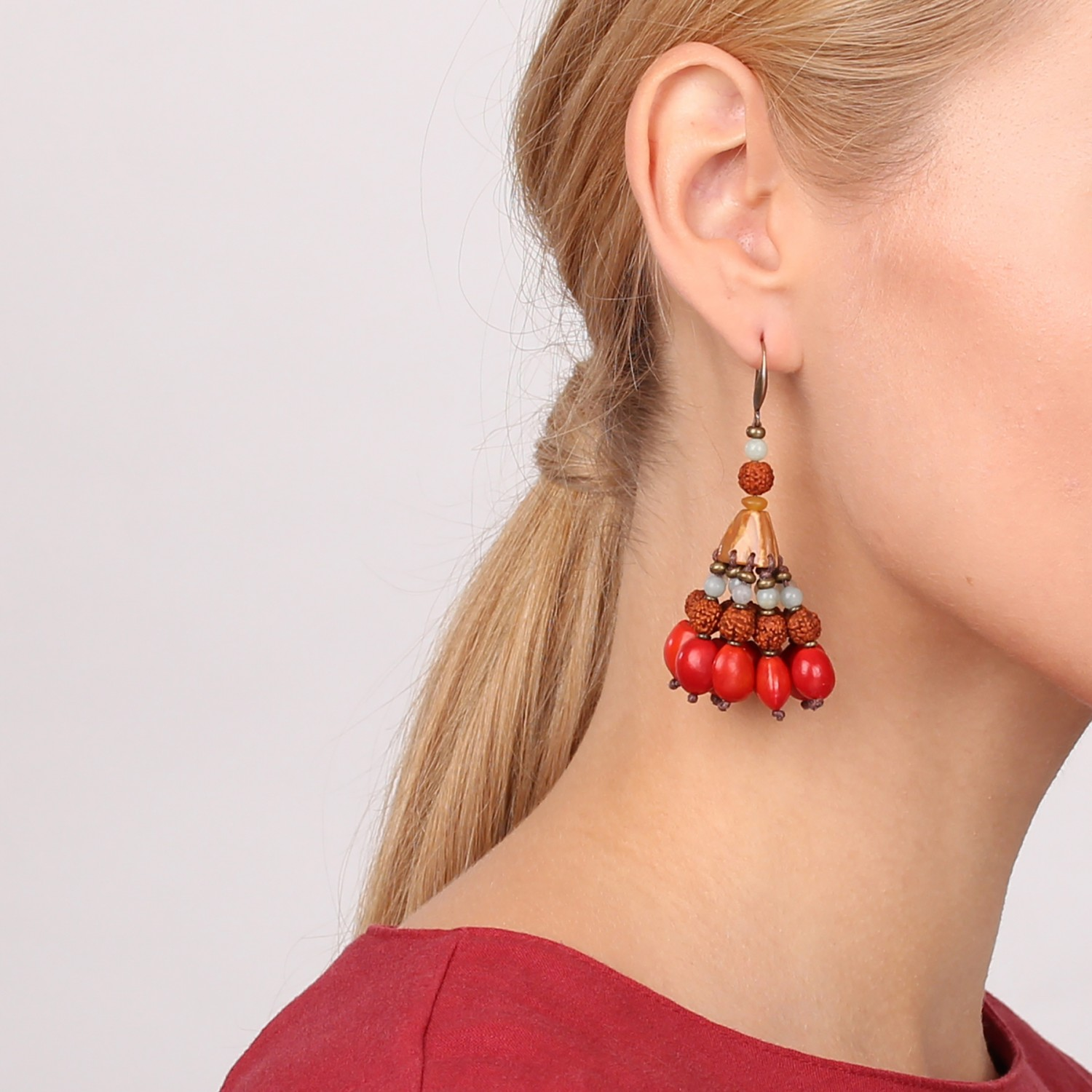 BROCELIANDE TASSEL RED EARRINGS